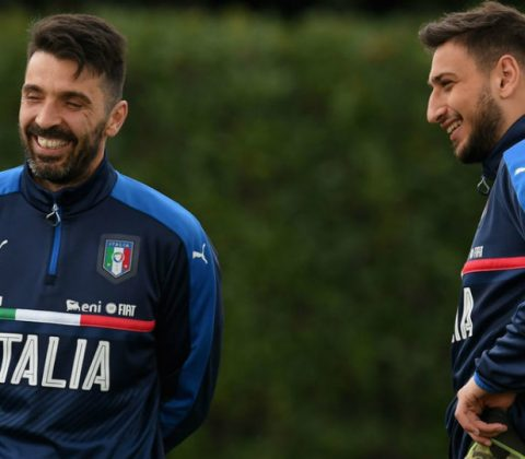 Gianluigi Buffon dan Gianluigi Donnarumma